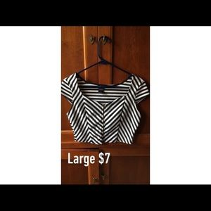 Tops - Stripped zipper crop top
